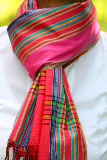 Softkikoy Knallrot-Pink mit Goldfäden