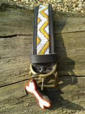 Afrikanisches Hundehalsband in frischen Sommerfarben