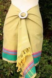 Kikoy als Wickelrock in Mustard-Green