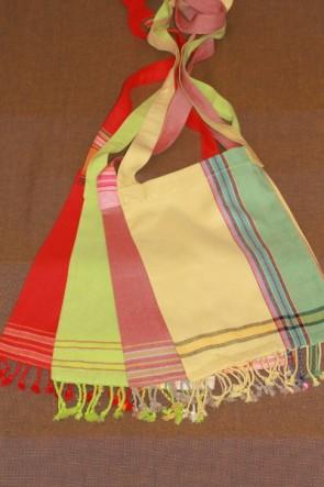 Umhängetaschen aus Kikoy farbenfroh