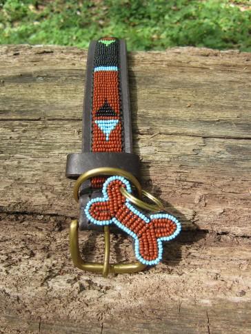 Hundehalsband in afrikanischen Farben