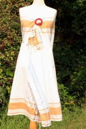 Weißer Kikoy mit Caramell Streifen